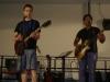 Marcel und Vincent mit Gitarren-Rock