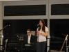 Josephine singt 'Fix you' (begleitet von Jonas am Klavier)