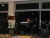 Jonas am Klavier.