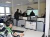 Eltern und Schüler informieren sich über den Einsatz des interaktiven Whiteboards im Fremdsprachenraum.